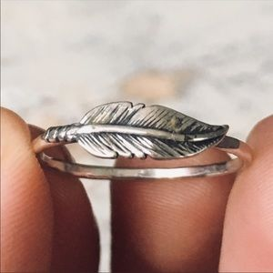 sterling silver feather stacking ring ✨